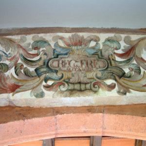 Decoración del arco de acceso a la antigua capilla de la Virgen de Gracia (detalle del dintel) Antiguo Monasterio de San Agustín. La Laguna (Tenerife)