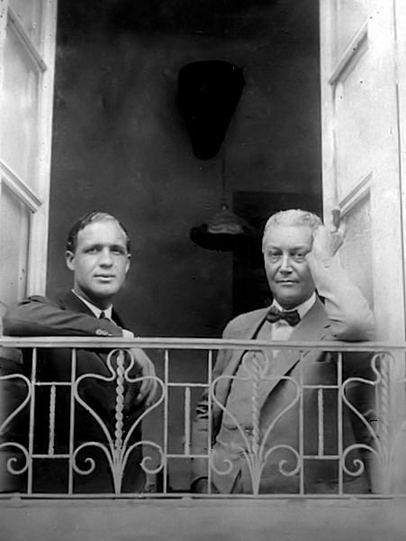 Álvaro de Lecuona y Power con su hijo Miguel Lecuona Quintero