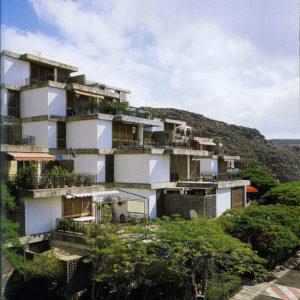 Agrupación de viviendas escalonadas en Ifara. Ifara, Los Campitos. Santa Cruz de Tenerife, 1969 (Foto: Jordi Bernadó)