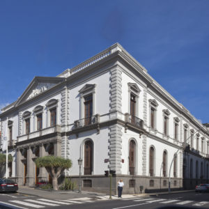 Ayuntamiento de Santa Cruz de Tenerife. Viera y Clavijo / Méndez. Núñez. Santa Cruz de Tenerife, 1896. (Foto: Diego Delso)