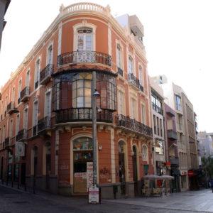 Edificio del Gallego. Castillo /Suárez Guerra. Santa Cruz de Tenerife, 1905. (Foto: F. García Barba)