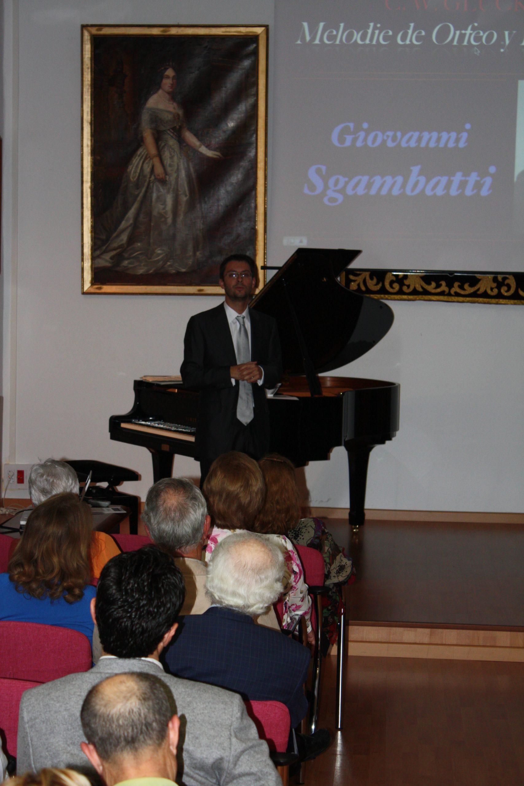 José Luis Castillo durante su última conferencia-concierto en la RACBA
